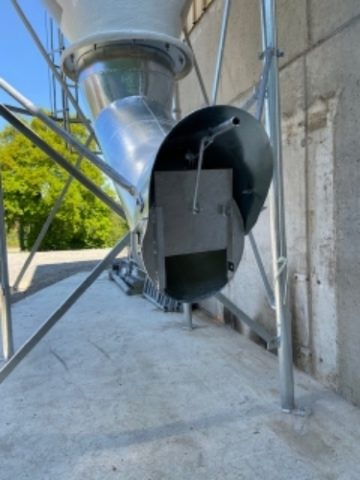silos-cône-deporté-polyester-2